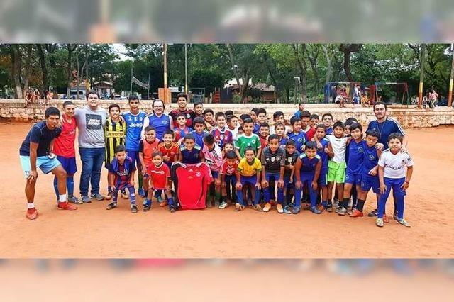 Wie ein Lahrer eine Fußballschule in seiner Jugendheimat Paraguay unterstützt