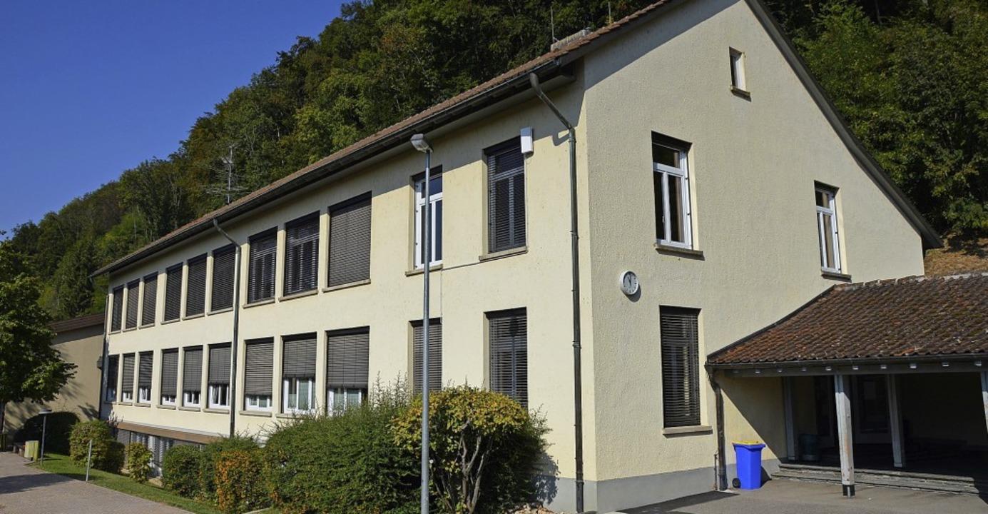Auf dem Dach der Schule am Heidenstein...  eine PV-Anlage eingerichtet werden.   | Foto: Horatio Gollin