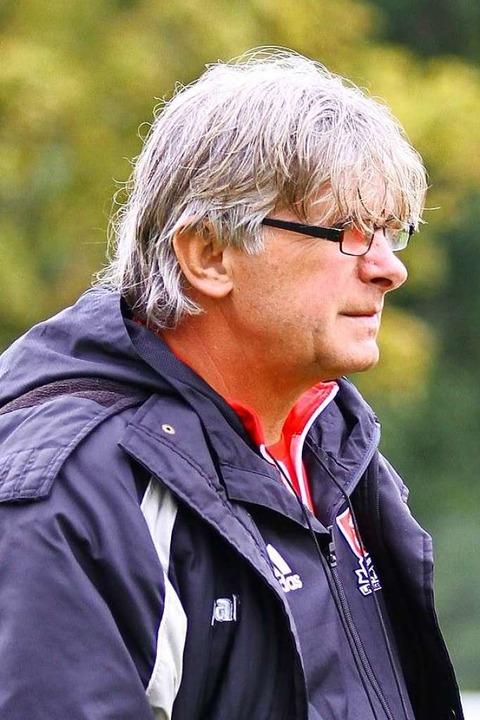 Dan Calinescu coacht den FV Langenwinkel  | Foto: Peter Aukthun-Goermer