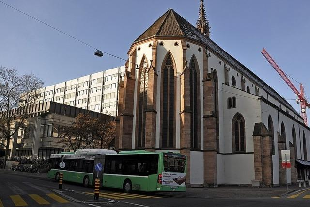 Basler Universitätsspital nimmt Rachenabstriche in Gotteshaus