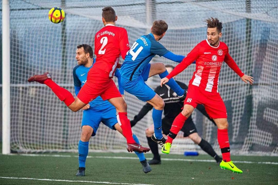 Das Hinspiel zwischen den Roten aus Lö...öffingen verlor vier Spiele in Folge.   | Foto: Wolfgang Scheu