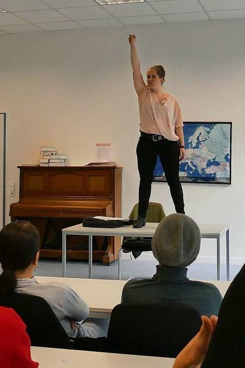 Veronika Bendiks vom Klassenzimmertheater in der Freiburger Paula-Fürst-Schule    Foto: Dora Schöls