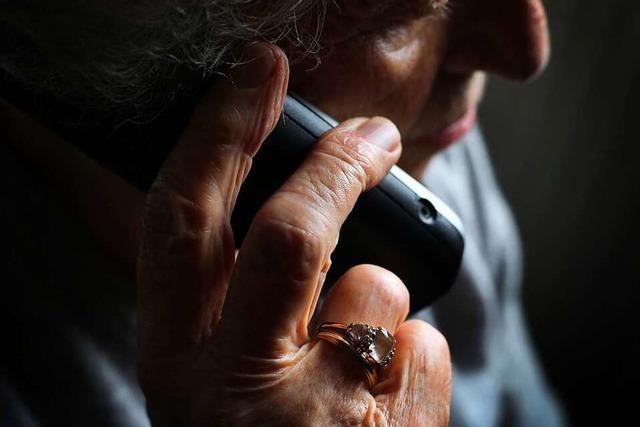 Eine aufmerksame Bankangestellte verhindert in Bad Säckingen, dass ein 91-Jähriger um sein Erspartes betrogen wird