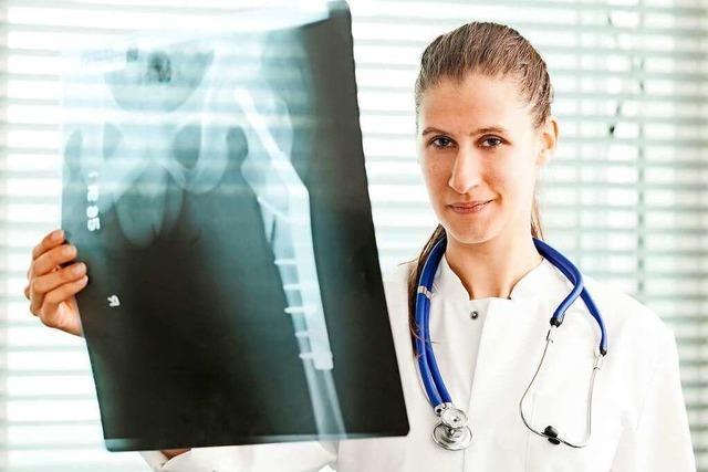 Stereotype an den Kliniken – wie Medizinerinnen Karrierehürden überwinden