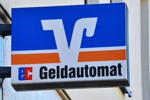 Automatenknacker sprengen Geldautomaten der Raiffeisenbank in Wyhl