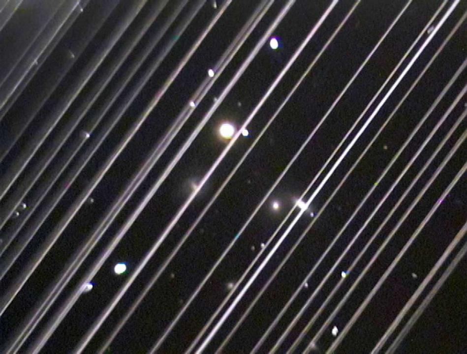 Lichtspuren am Nachthimmel:  Aufnahme des Lowell Observatory in Arizona    Foto:  Victoria Girgis/Lowell Observato