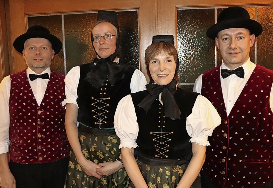 Langjährige treue Mitglieder (von link...ne, Sonja Helmle und Wolfgang Faller.   | Foto: Dieter Maurer