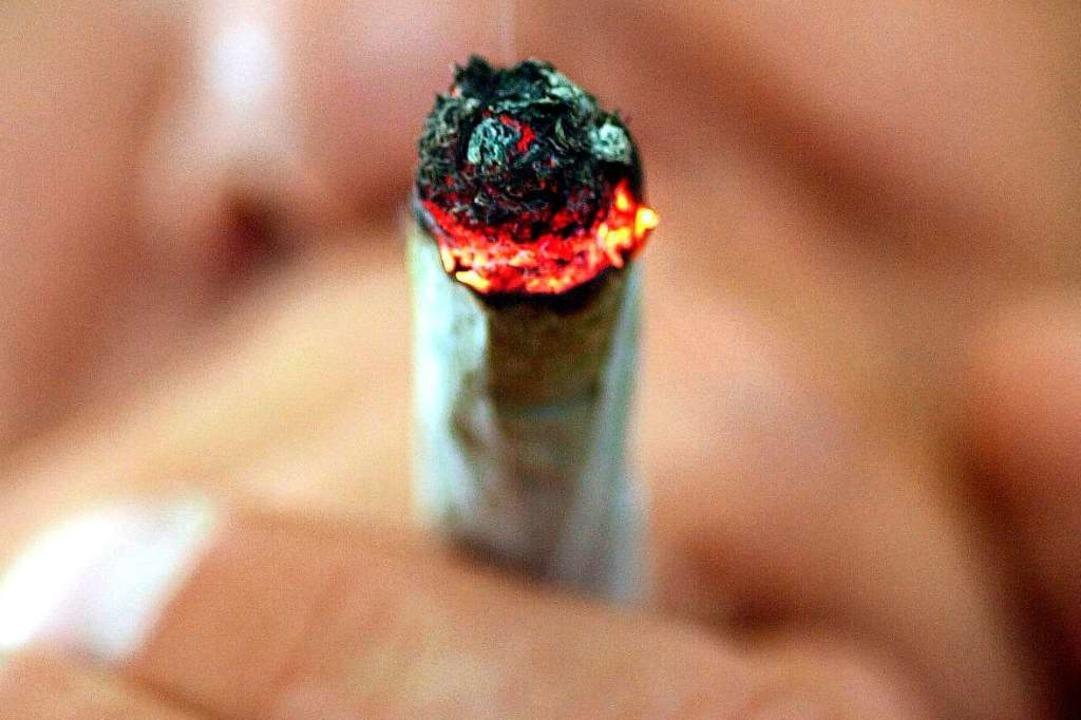 Ein Drogenschnelltest bestätigte den V...s der Mann unter Drogeneinfluss stand.  | Foto: Boris Roessler