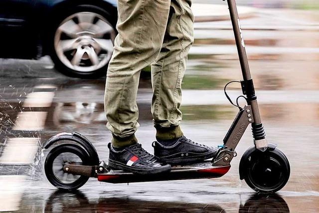 Stadt Freiburg will E-Scooter-Verleihern Ökostrom und Parkplätze vorschreiben