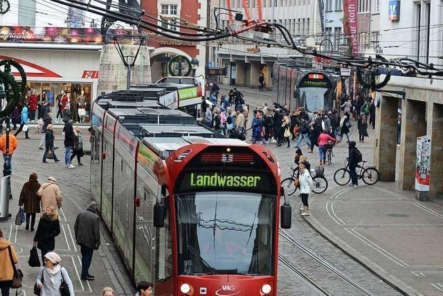 33-Jähriger soll Sanitäter in der Freiburger Altstadt beleidigt und bespuckt haben