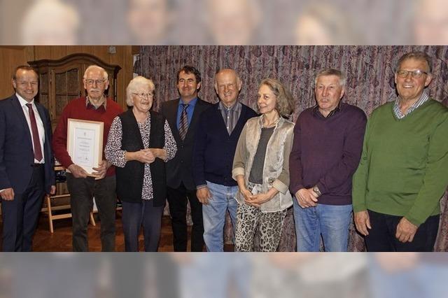 Sasbacher Winzerkeller ehrt treue Mitglieder