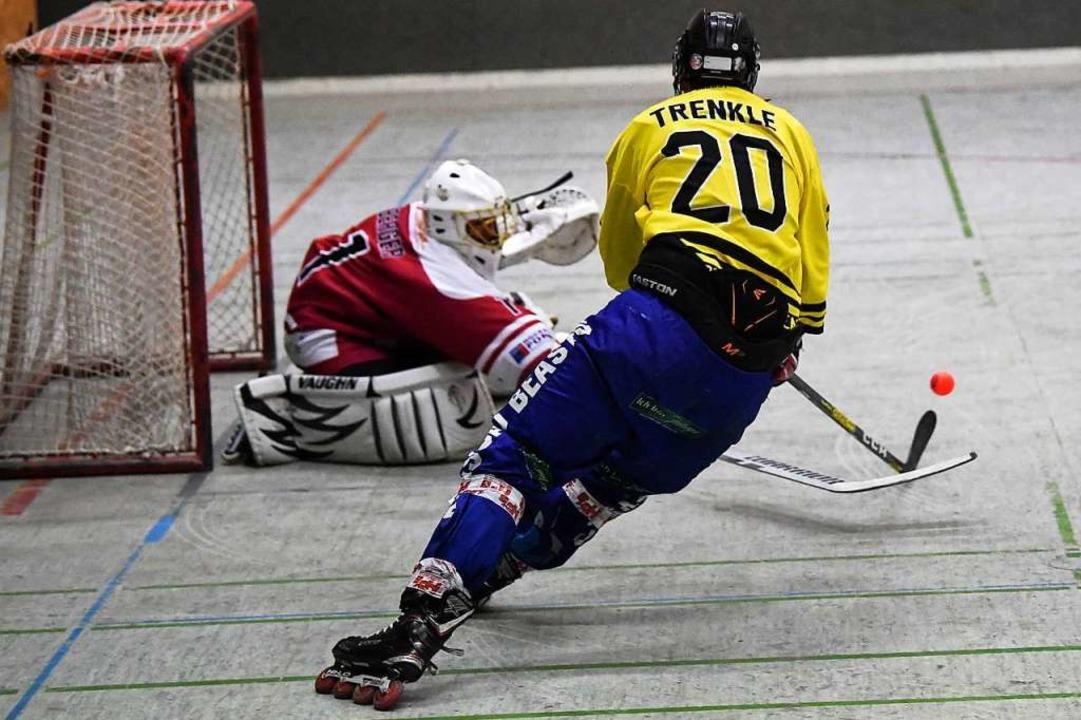 Auch Frank Trenkle scheiterte für die ... Beasts oft an HCM-Goalie Jens Berger.  | Foto: Patrick Seeger