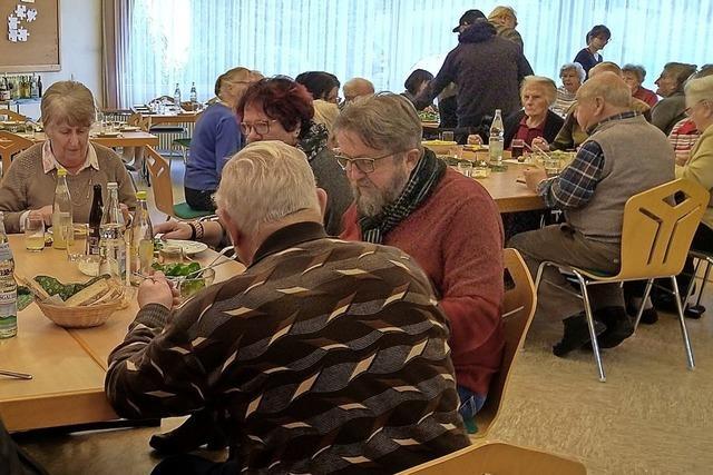 Gemeinsames Mittagessen für Senioren
