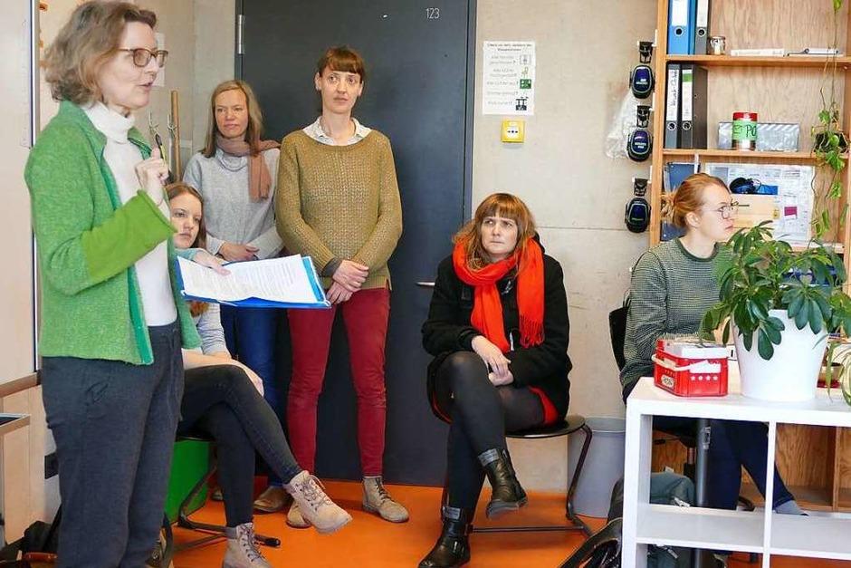 Margitta Freund vom Verein Kommunikation & Medien stellt das Projekt vor. (Foto: Stephanie Streif)