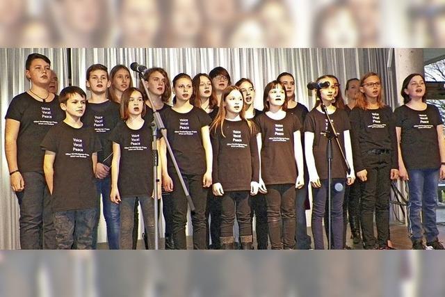 Schüler singen für den Frieden
