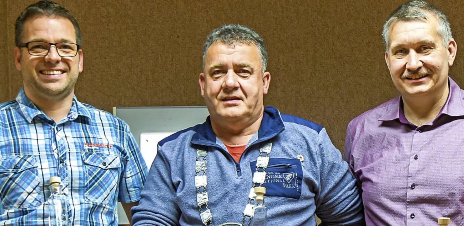<BZ-FotoAnlauf>Schützengesellschaft:</... Ritter wurde Markus Jäckh (rechts).      Foto: Ralph Lacher