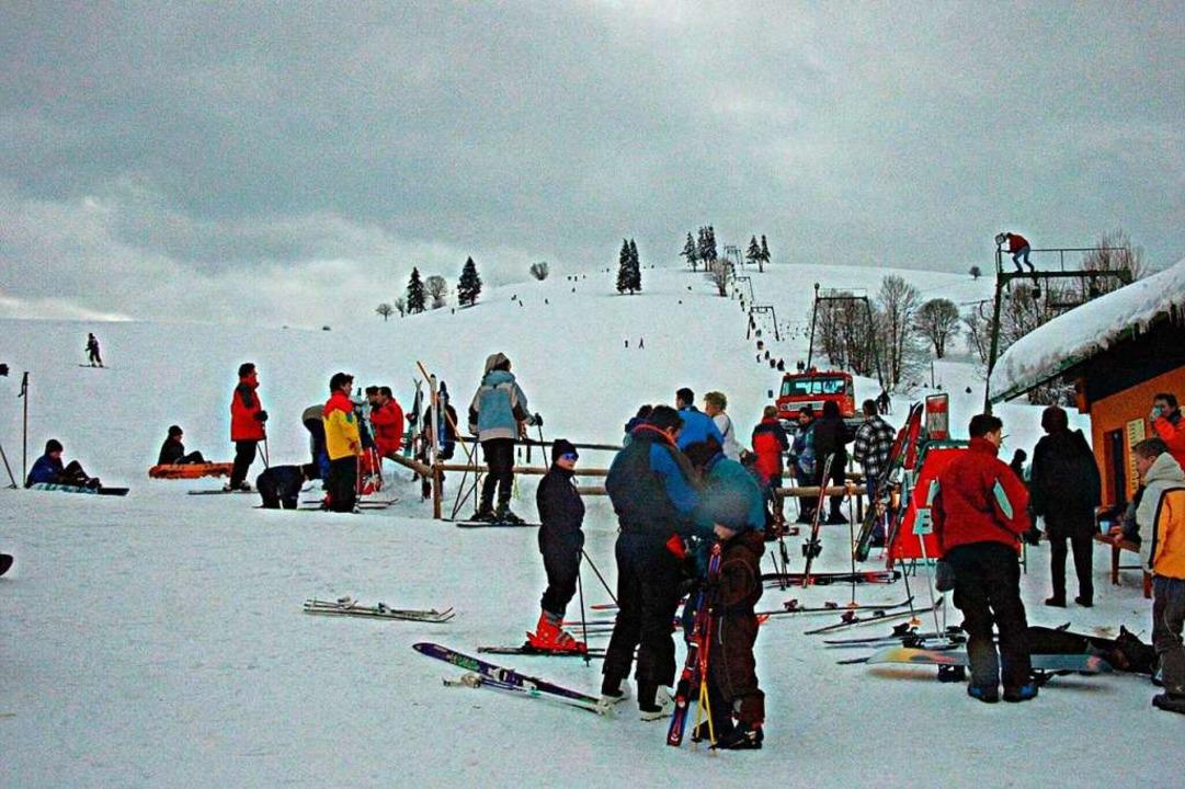An schönen Winterwochenenden – h...und 200 Skifahrer den Bergbrunnenlift.  | Foto: Gerd Sutter