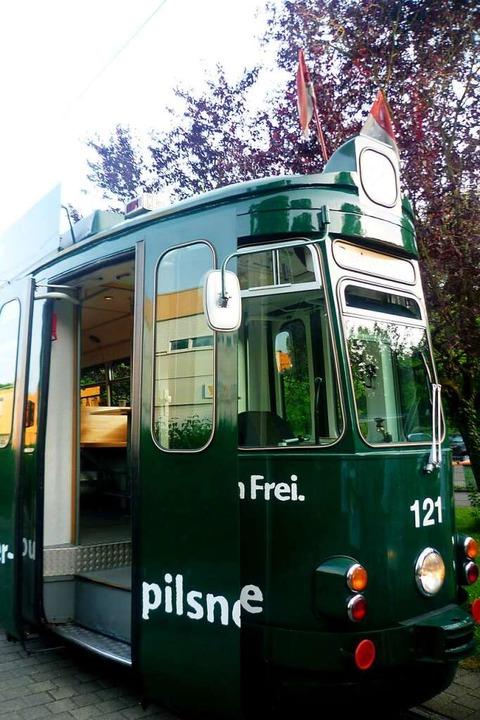 Schluss mit lustig: Der Partywagen steht bis 3. April auf dem Abstellgleis.  | Foto: Stöhr