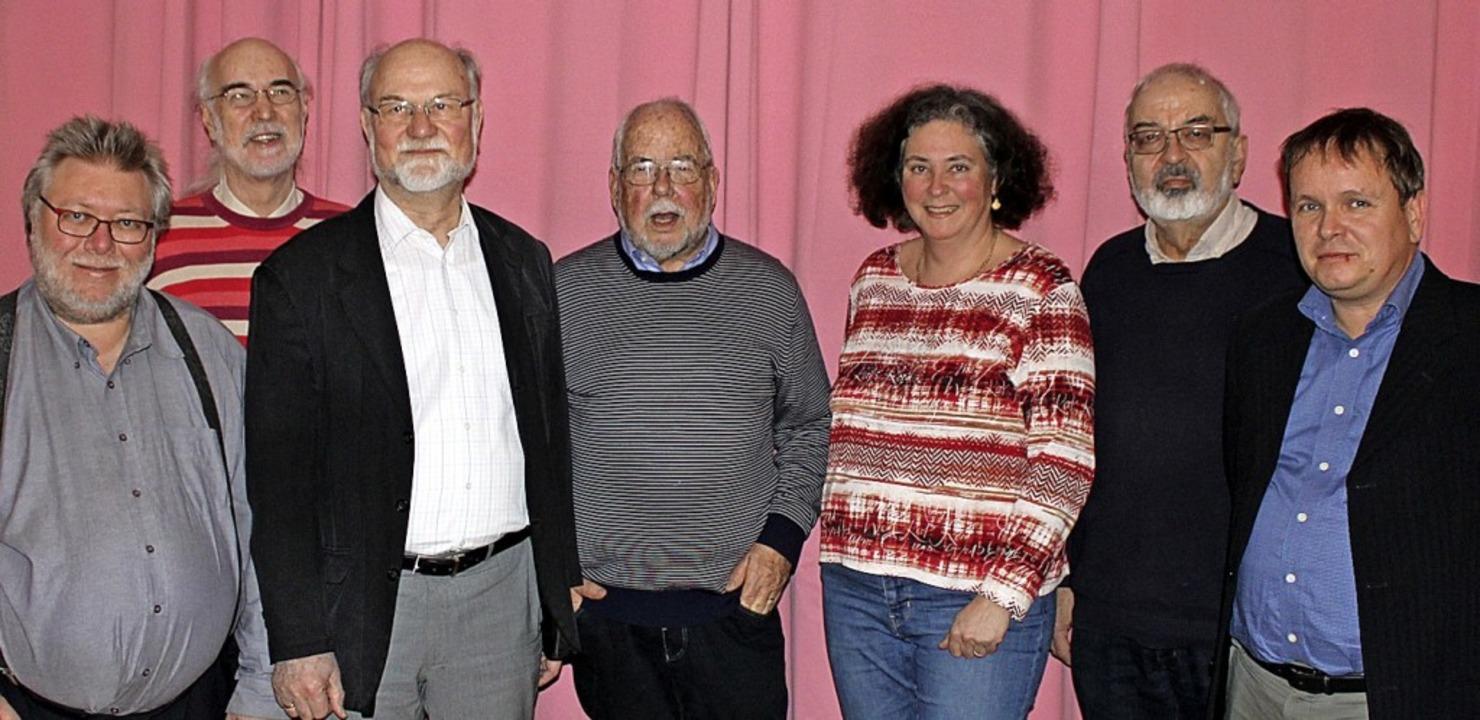 Alle Mitglieder des Vorstandes wurden ...r Roos und Schriftführer Oliver Uthe.   | Foto: Rolf Reißmann