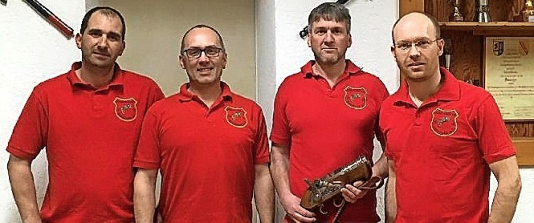 Hansjürgen Weiß, Peter Geugelin, Marku...ren zum  Vorstand der Böllerschützen.     Foto: privat