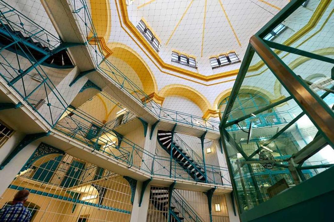 In der JVA Freiburg verbüßen 560 Gefangene eine Haftstrafe.  | Foto: Ingo Schneider