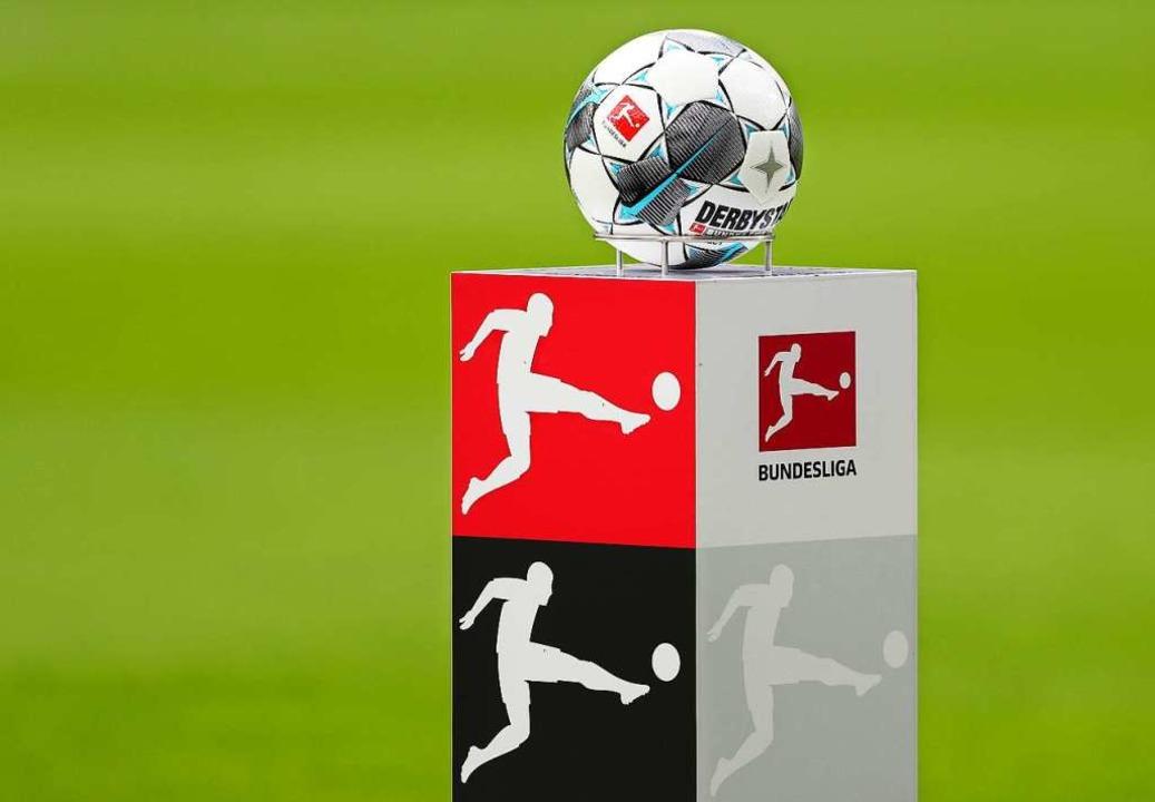 Jetzt ruht der Fußball auch in der ersten und zweiten Bundesliga.    Foto: Jan Woitas (dpa)