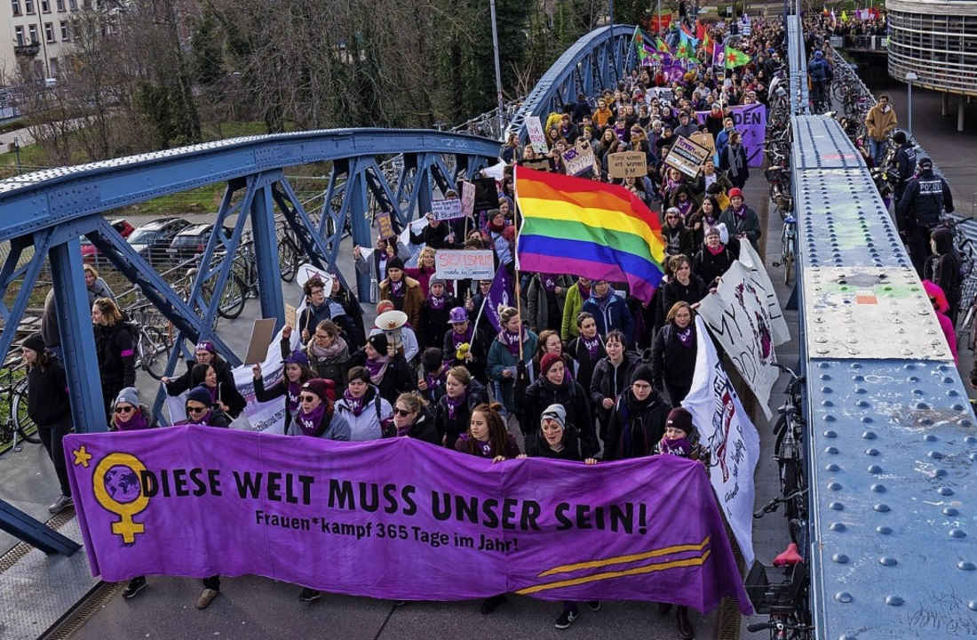 Demonstration am Frauentag auf der   Wiwili-Brücke  | Foto: privat