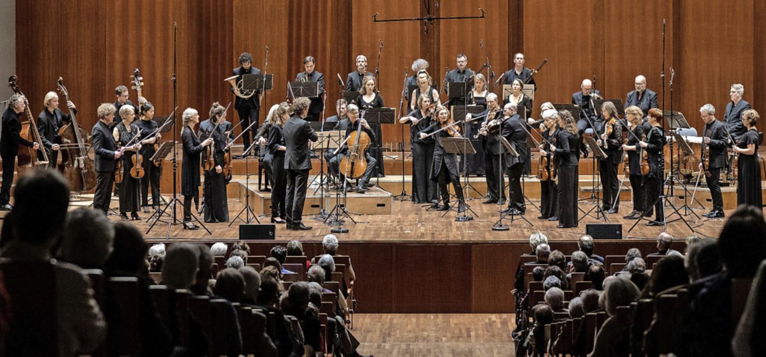 Das Freiburger Barockorchester im Konzerthaus Freiburg  | Foto: Britt Schilling