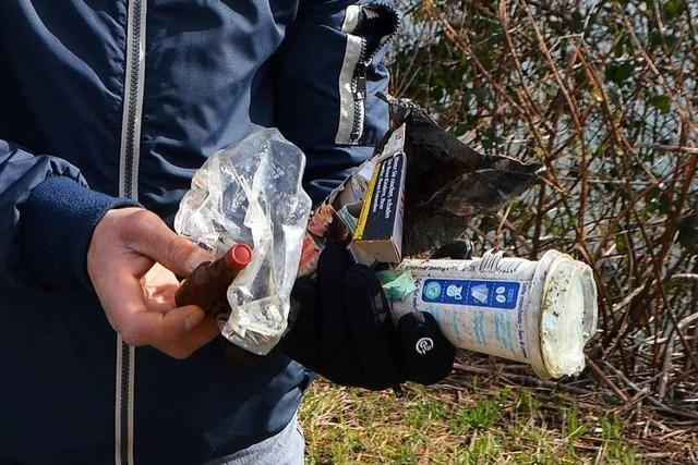 Zigarettenkippen und ein Hörgerät – Was Helfer bei Putzeten in Rheinfelden finden