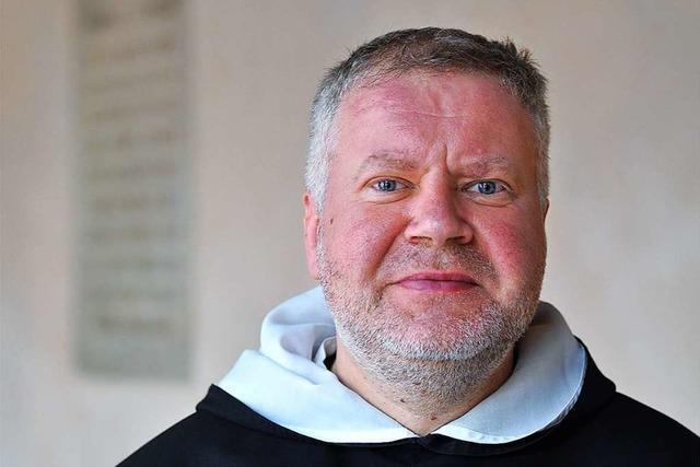Pater Helbin geht nach St. Martin in der Freiburger Altstadt