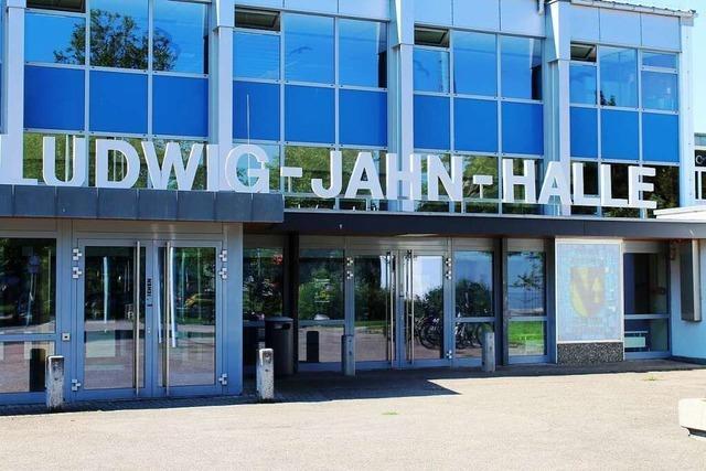 Teningen: Mediathek, Hallen und Verwaltung zu