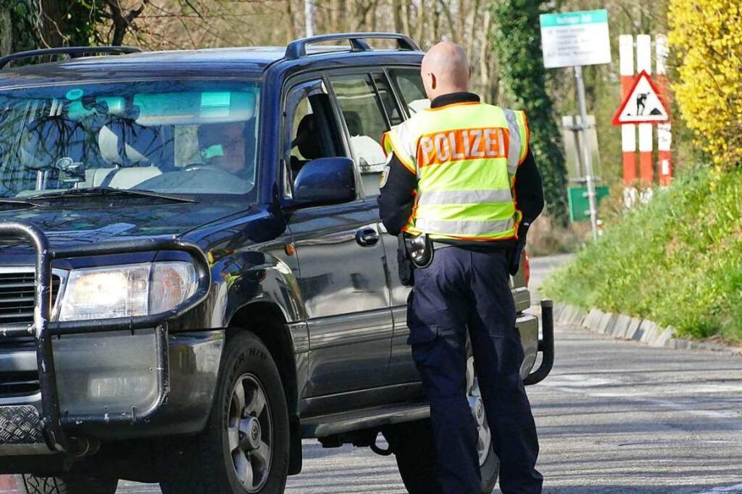 Die Bundespolizei kontrolliert.  | Foto: Peter Gerigk
