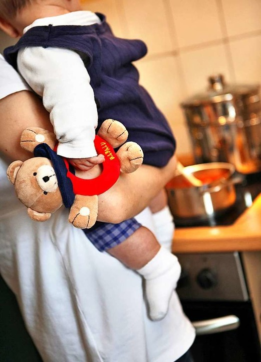 Kochen, Kinder, Haushalt, das allein i...i vielen Betroffenen die Nerven blank.  | Foto: Jan Woitas