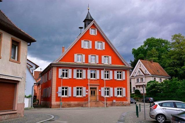 Malterdingen macht Rathaus und Halle zu