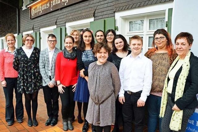 Elf Absolventen der Akademie Himmelreich verdienen ab jetzt ihren eigenen Lohn