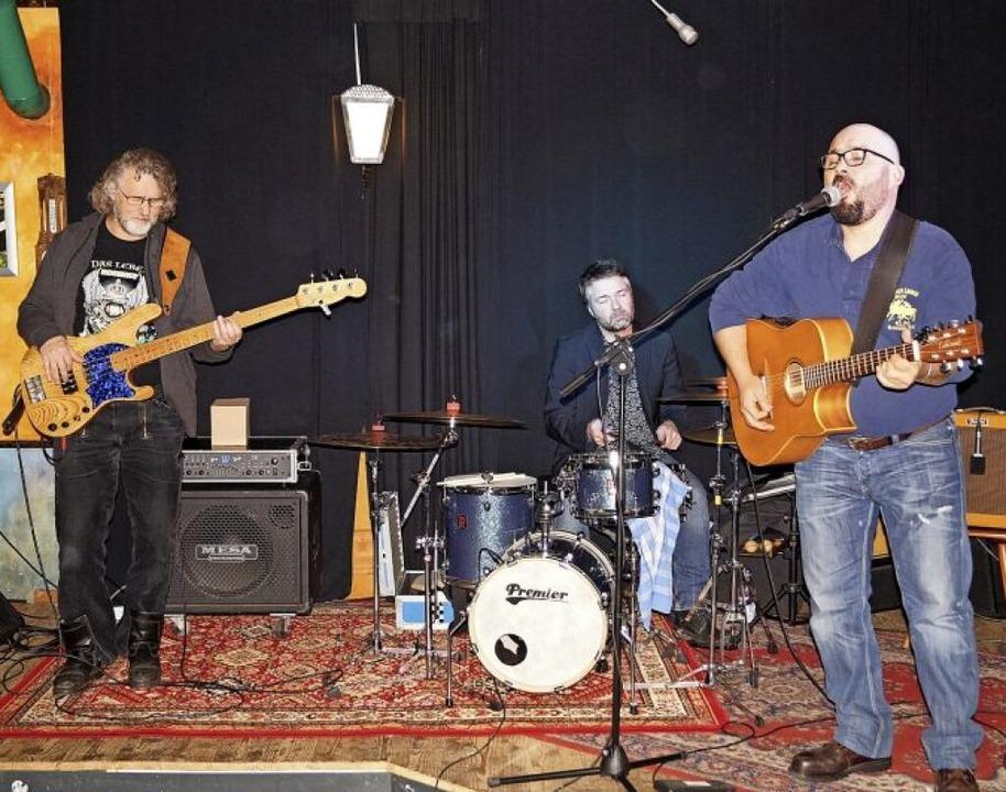 Die deutsch-französische Band Mad Kitc... der Schlosserei in Wehr aufgetreten.     Foto: Sara Göhring