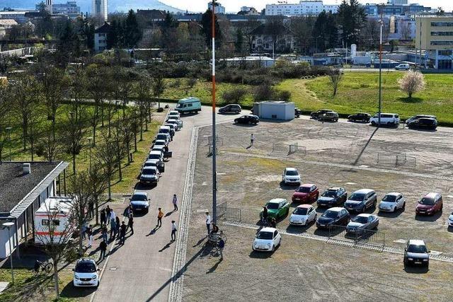 Mobiles Abstrichzentrum für Corona-Tests wechselt an die Freiburger Messe