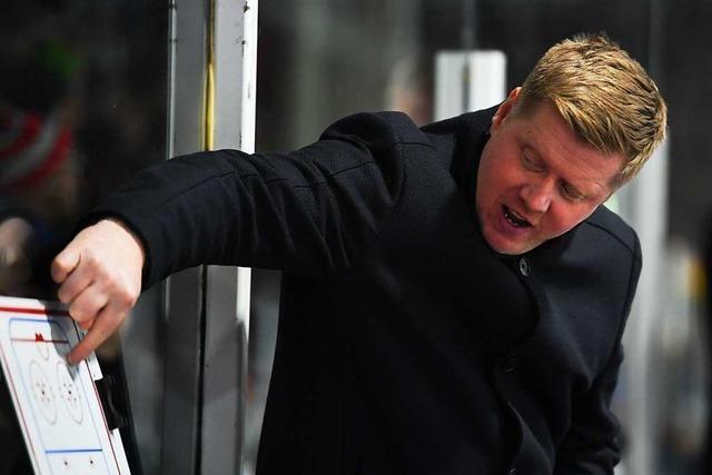 Peter Russell, der Coach des EHC Freiburg, ist Trainer des Jahres in der DEL 2 – Ben Meisner bester Torhüter der Liga