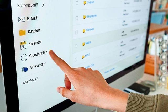 Wie Schulen Unterricht und Hausaufgaben über das Netz organisieren