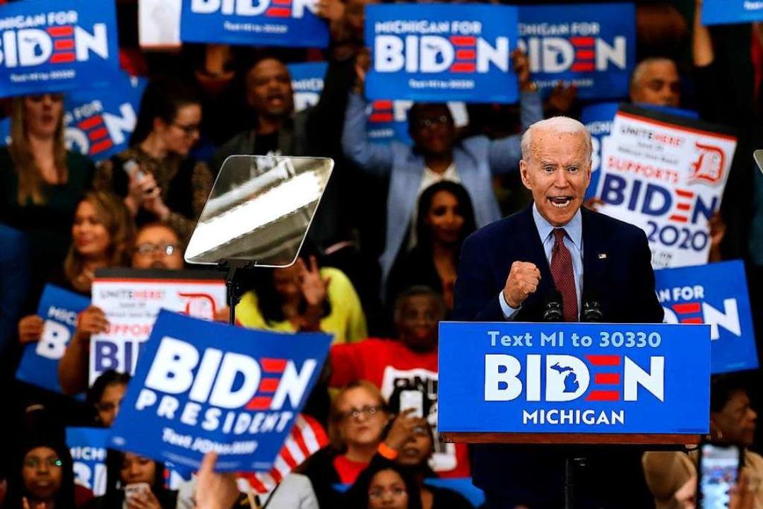Joe Biden macht Boden gut.  | Foto: JEFF KOWALSKY (AFP)