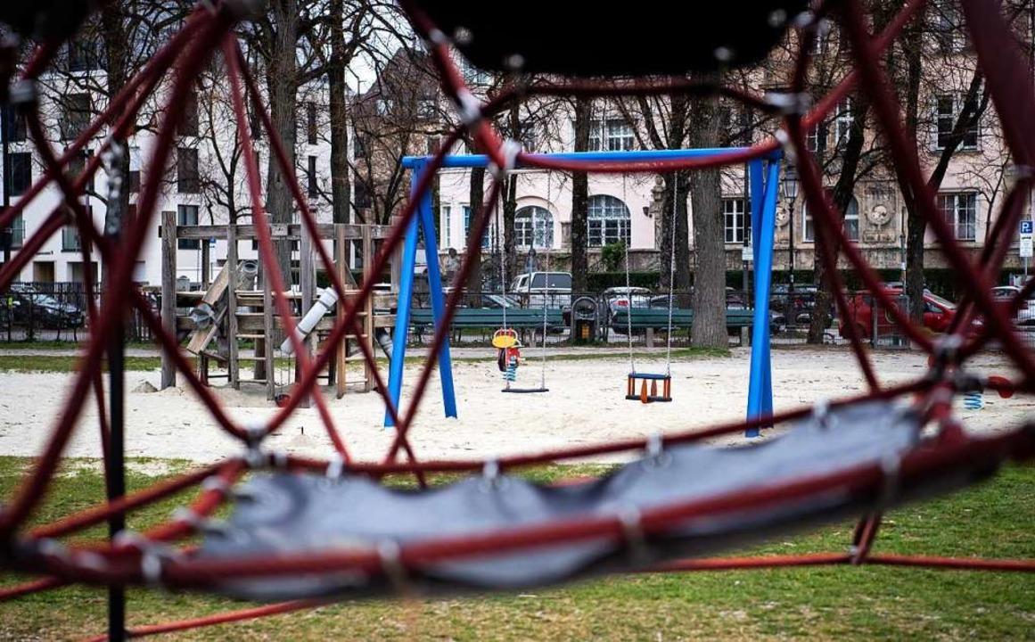 Ein leerer Spielplatz in München  | Foto: Sven Hoppe (dpa)