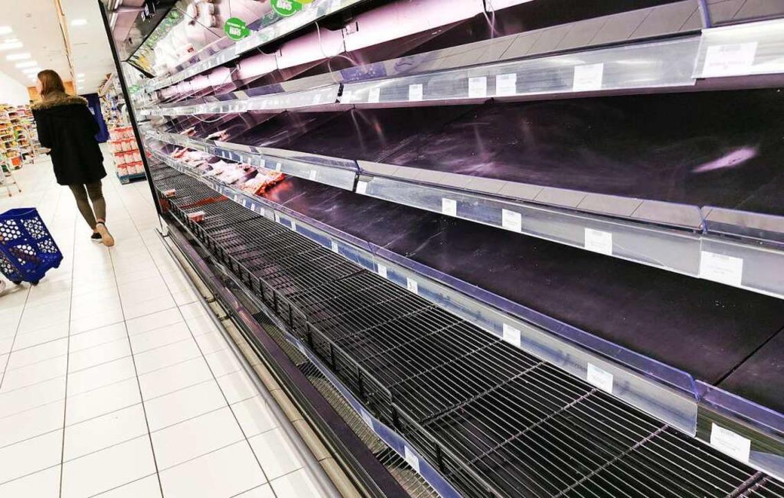 Leergekaufte Supermarktregale: Hamster... sind eine Angstreaktion (Symbolbild).  | Foto: Bodo Marks (dpa)