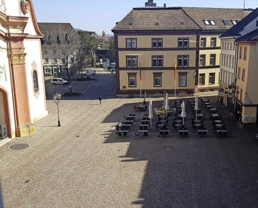 Gähnende Leere im Herzen Bad Säckingen...ffenen Restaurants kommt kaum jemand.   | Foto: Axel Kremp
