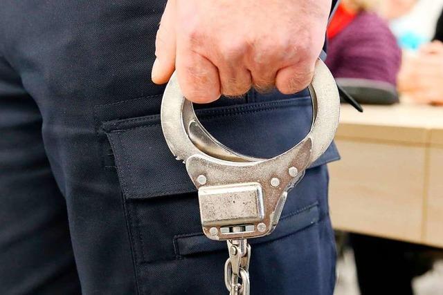 Angeklagter gesteht überraschend die Vergewaltigung einer 13-Jährigen
