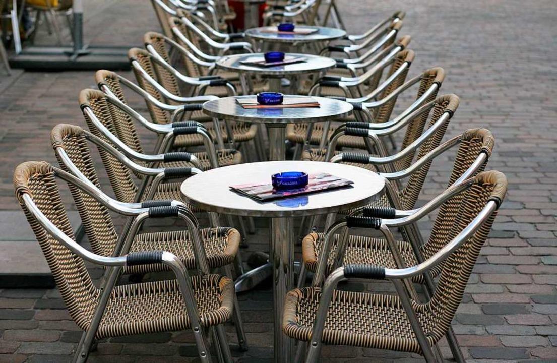 Gaststätten sind leer oder vorübergehe...sich um ihre wirtschaftliche Existenz.  | Foto: Jens Büttner