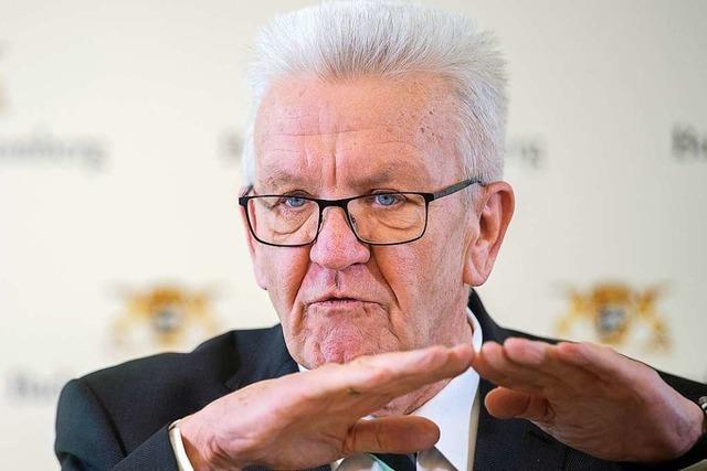 Kretschmann droht mit Ausgangssperre – Unternehmen fordern Hilfe