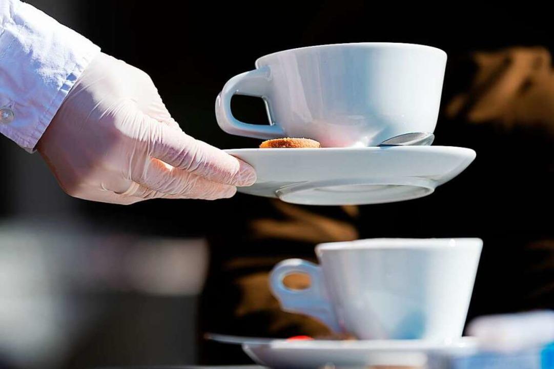 Hygieneregeln gilt es besonders in der Gastronomie zu beachten.  | Foto: Robert Michael