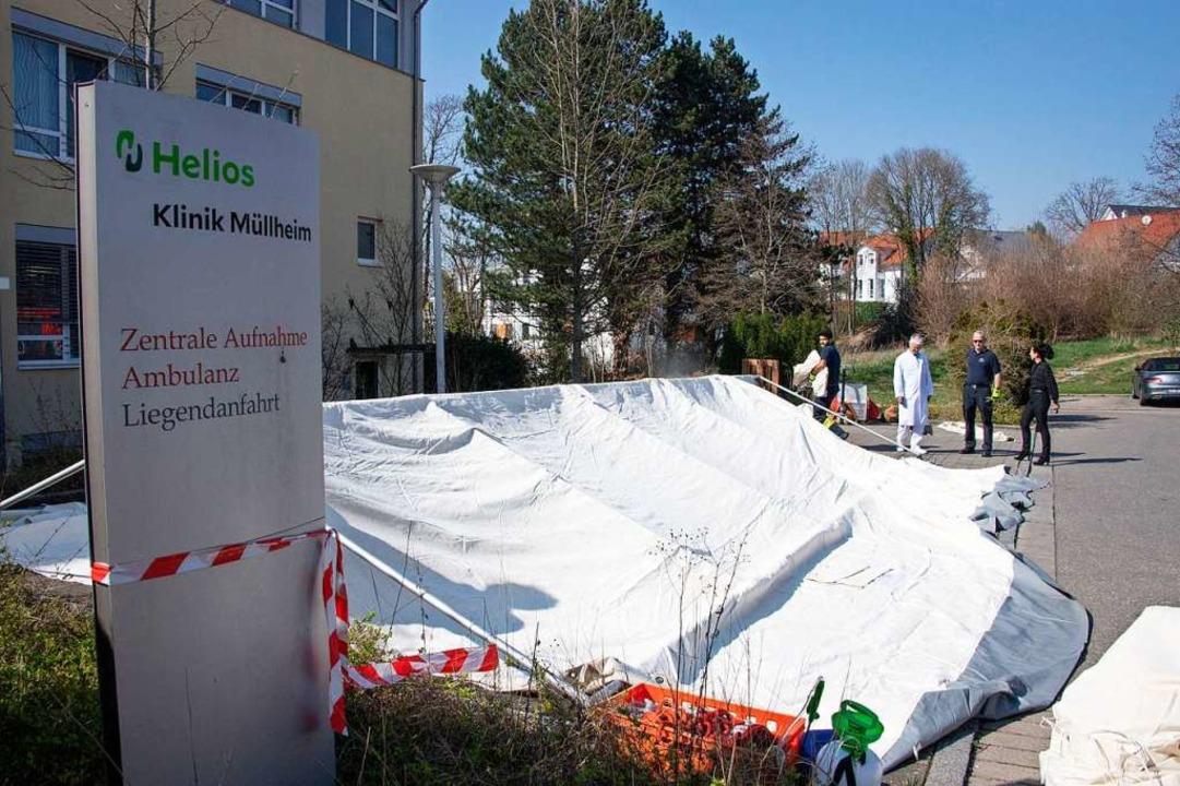 Um Patienten in der Klinik und Mitarbe...ichtet. Gestern wurden sie  aufgebaut.    Foto: Volker Münch