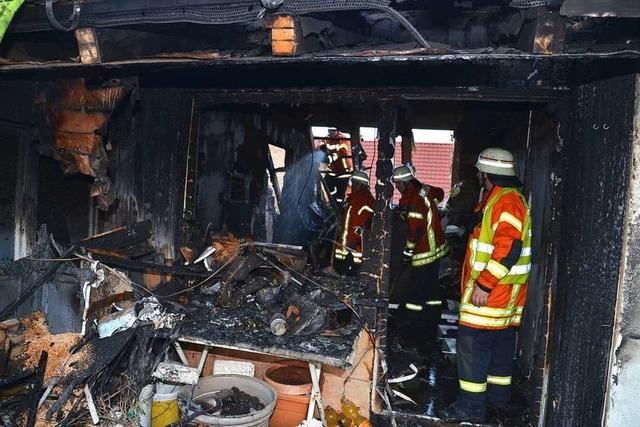 Feuer zerstört Wohnhaus im alten Ortskern von Wyhl
