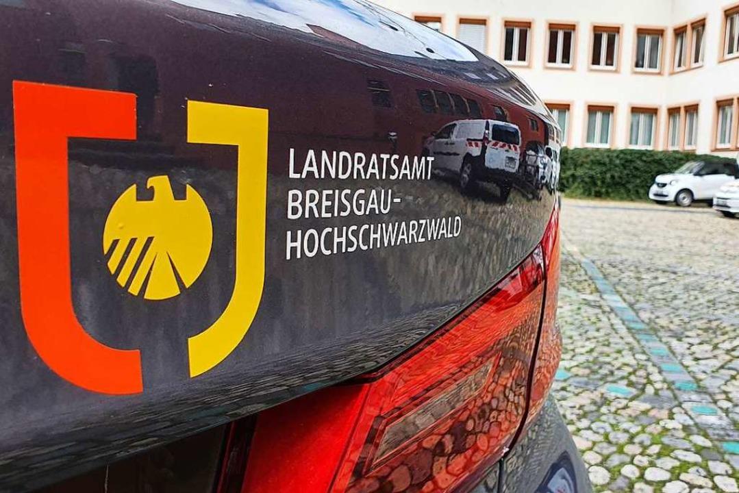 Das Landratsamt Breisgau-Hochschwarzwa...ere Augangsbeschränkungen auf den Weg.  | Foto: Sebastian Wolfrum